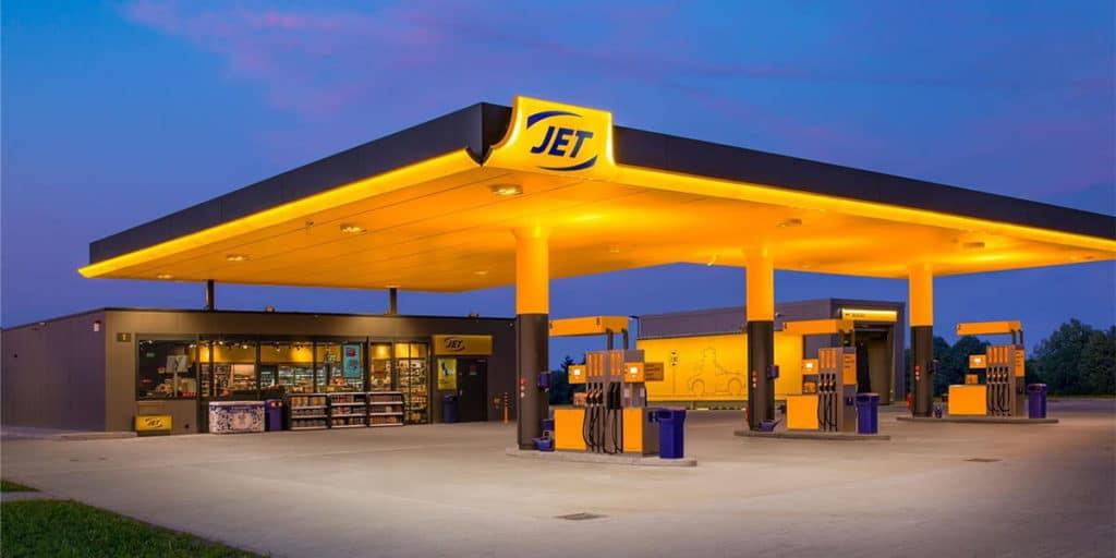 Die Tankkarte von Jet kommt gebührenfrei daher – mit einem Haken.