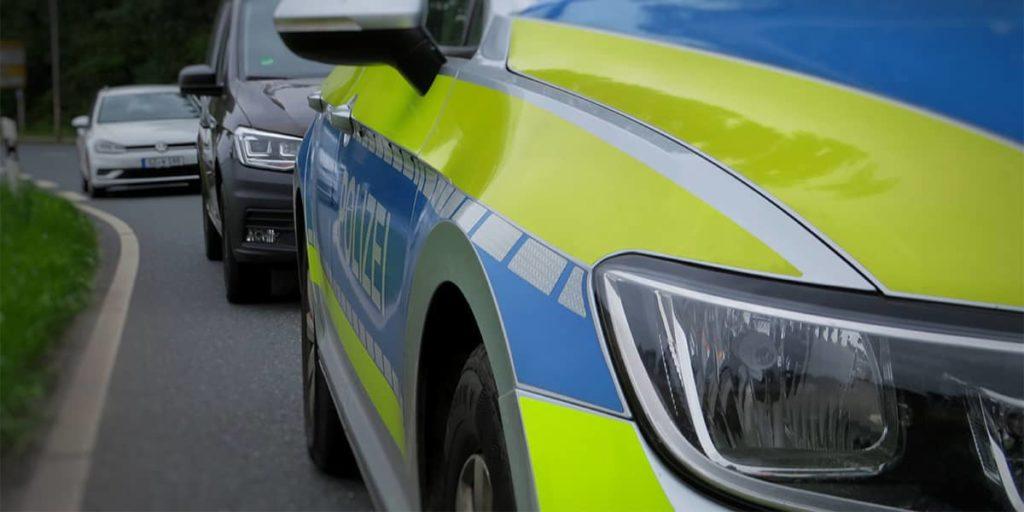 Den Unfallbericht unterschreiben oder Polizei hinzuziehen